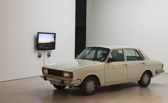 Anahita Razmi, The Paykan Project, Car, 38 Framed Papers, 11 hour videoloop, 2010/11 Arbeitsstipendium Edith-Russ-Haus für Medienkunst, Oldenburg, 2010.